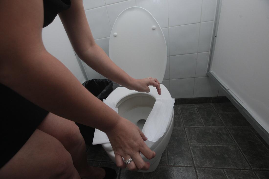 Espiando a paola en ducha 2 no deja prender la luz - 4 2