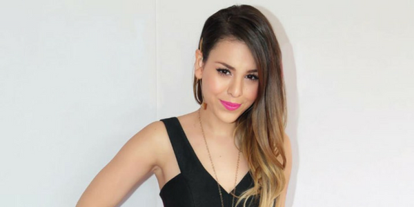 Danna Paola luce escote en Instagram