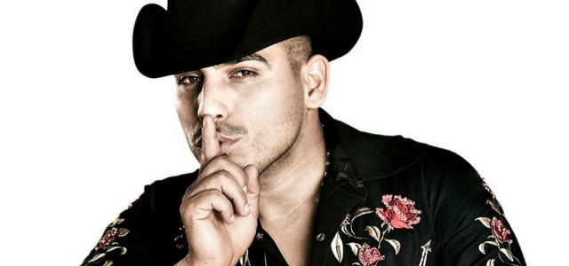 Así es como el cantante Espinoza Paz alegra a todo un elenco de una gran telenovela integrándose al proyecto.