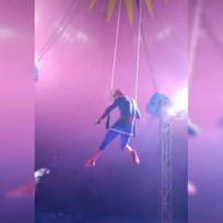 Hombre Araña o Spiderman, dejó a todos horrorizados después de una fuerte caída durante un espectáculo.