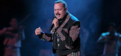 Pepe Aguilar está teniendo un éxito tremendo con un show que a la gente le está encantando