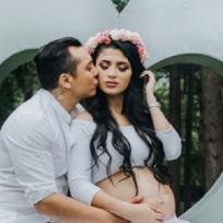 Ya tiene Instagram la bebé de Edwin Luna y todavía no nace.