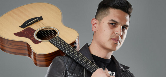 Régulo Caro le demuestra a su fans porque es uno de los más talentosos y queridos de la música de regional mexicano.