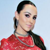 """Ivonne Montero se atreve a enseñar su """"pechonalidad"""" en la playa"""