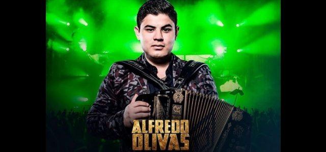 Alfredo Olivas Se Presenta En El Auditorio Nacional En Una Noche