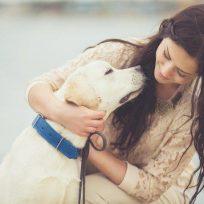 No te enamores de una mujer que ame a los perros