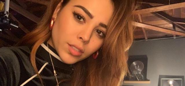 """Danna Paola causa revuelo en Instagram apretando """"sus nenas"""""""