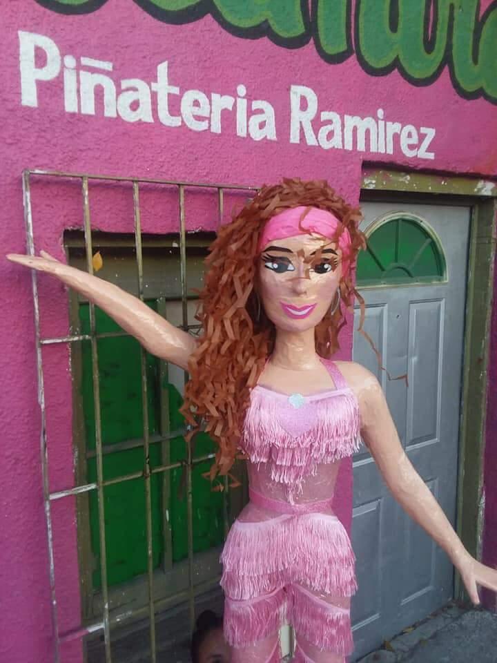piñata thalia