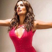 Cecilia Galliano se convierte en una reina egipcia con este ajustado outfit