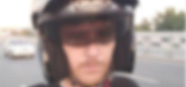 Youtuber pierde la vida por conducir con los pies su motocicleta