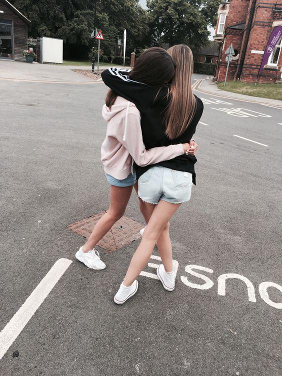 Selfies que debes tómarte con tu amiga que es casi como tú hermana