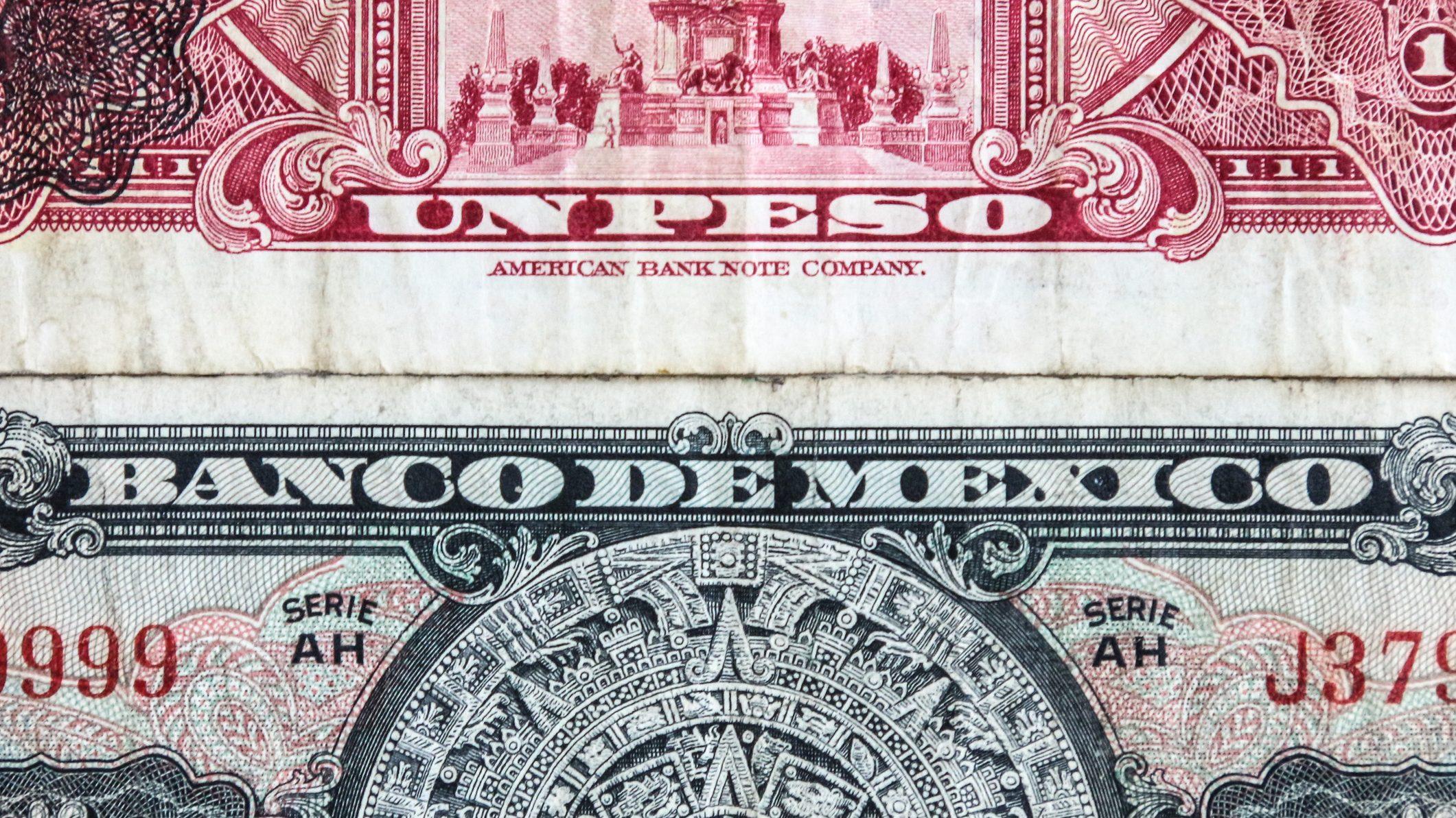 billetes y monedas viejas