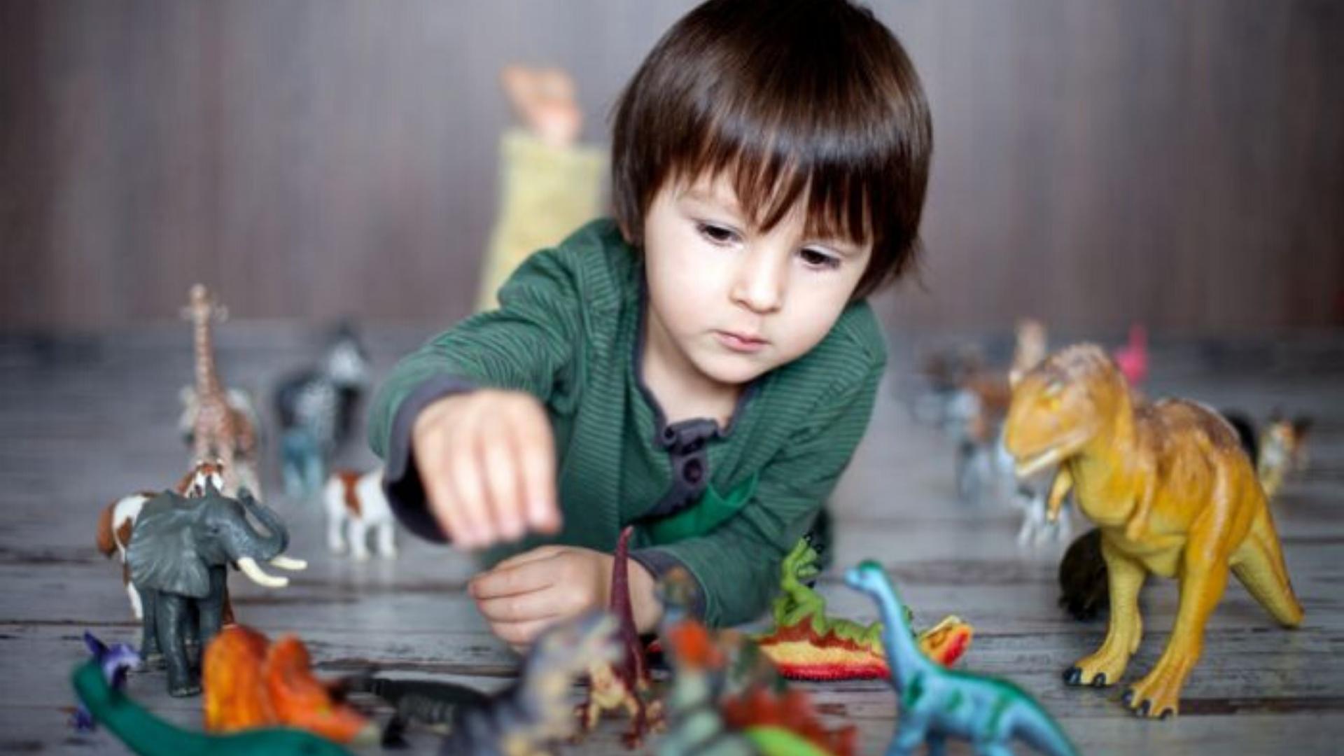 Los niños que aman los dinosaurios son más inteligentes según estudio