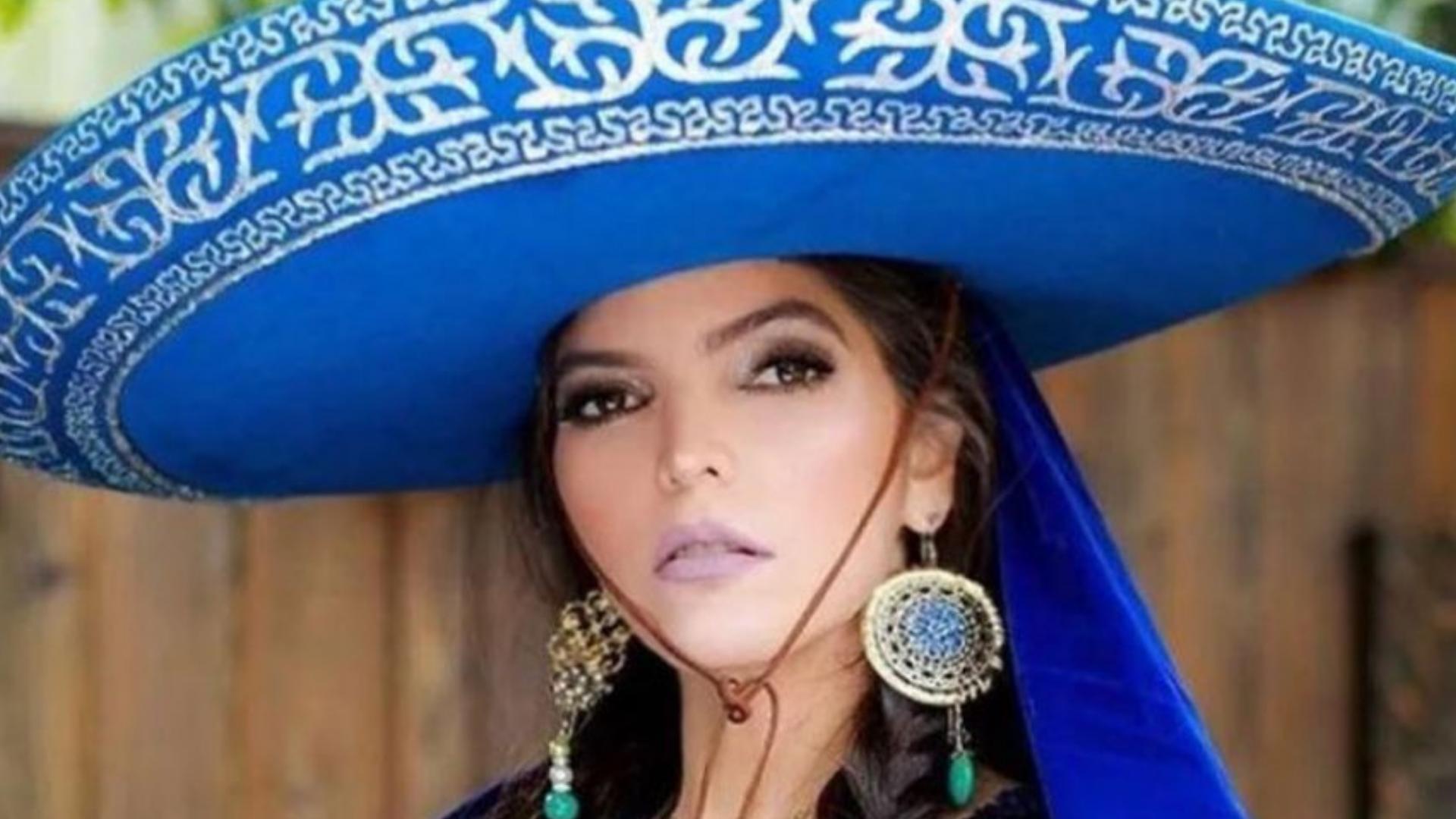 Ana Bárbara enamora con su hermoso vestido transparente