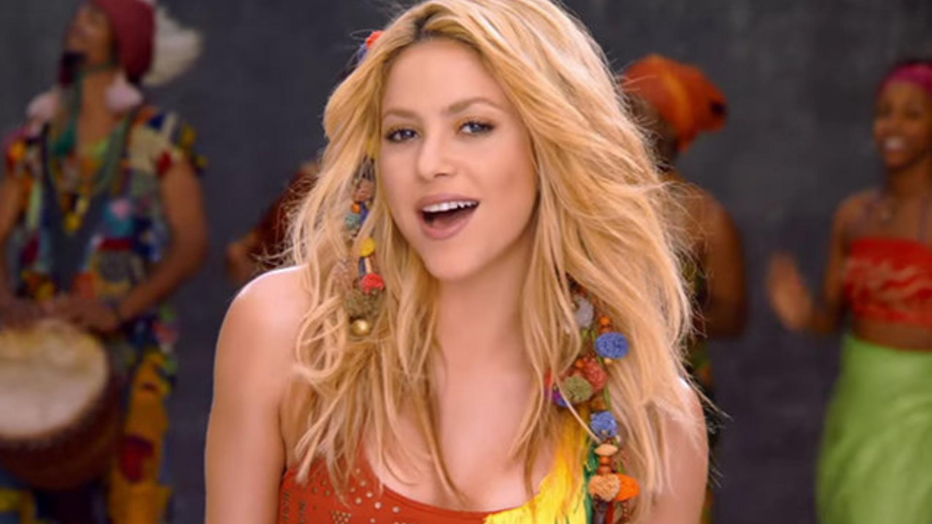 Shakira diseña su primer conjunto y así lo presume