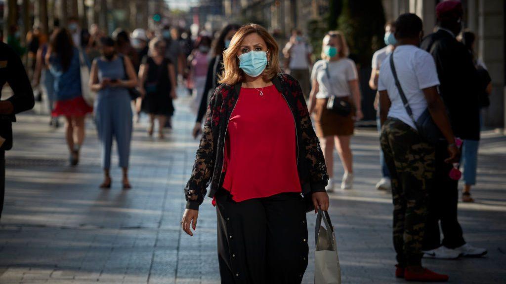 Un estudio indica que el uso de tapabocas generaría inmunidad al coronavirus