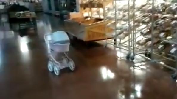 Velador graba a niña fantasma que lo visita por las noches