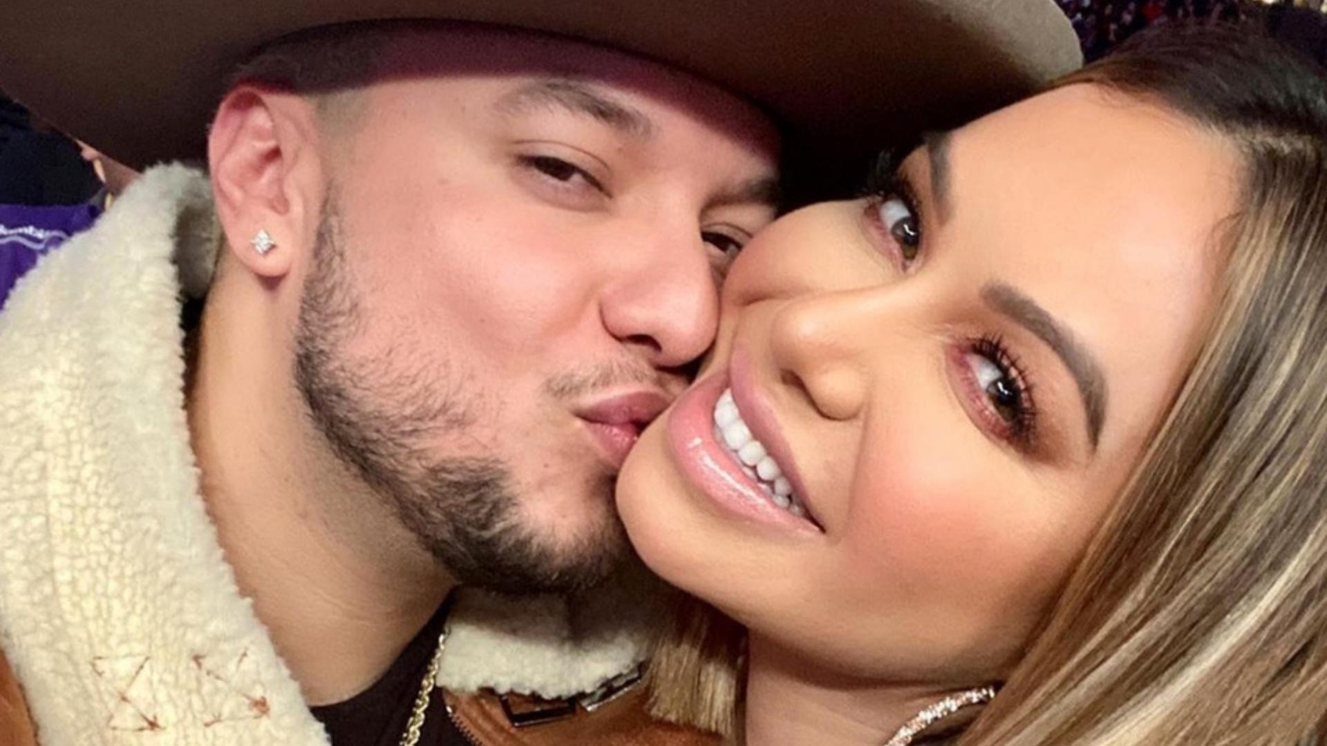 Captan a Lorenzo Méndez y a Chiquis Rivera juntos por posible embarazo