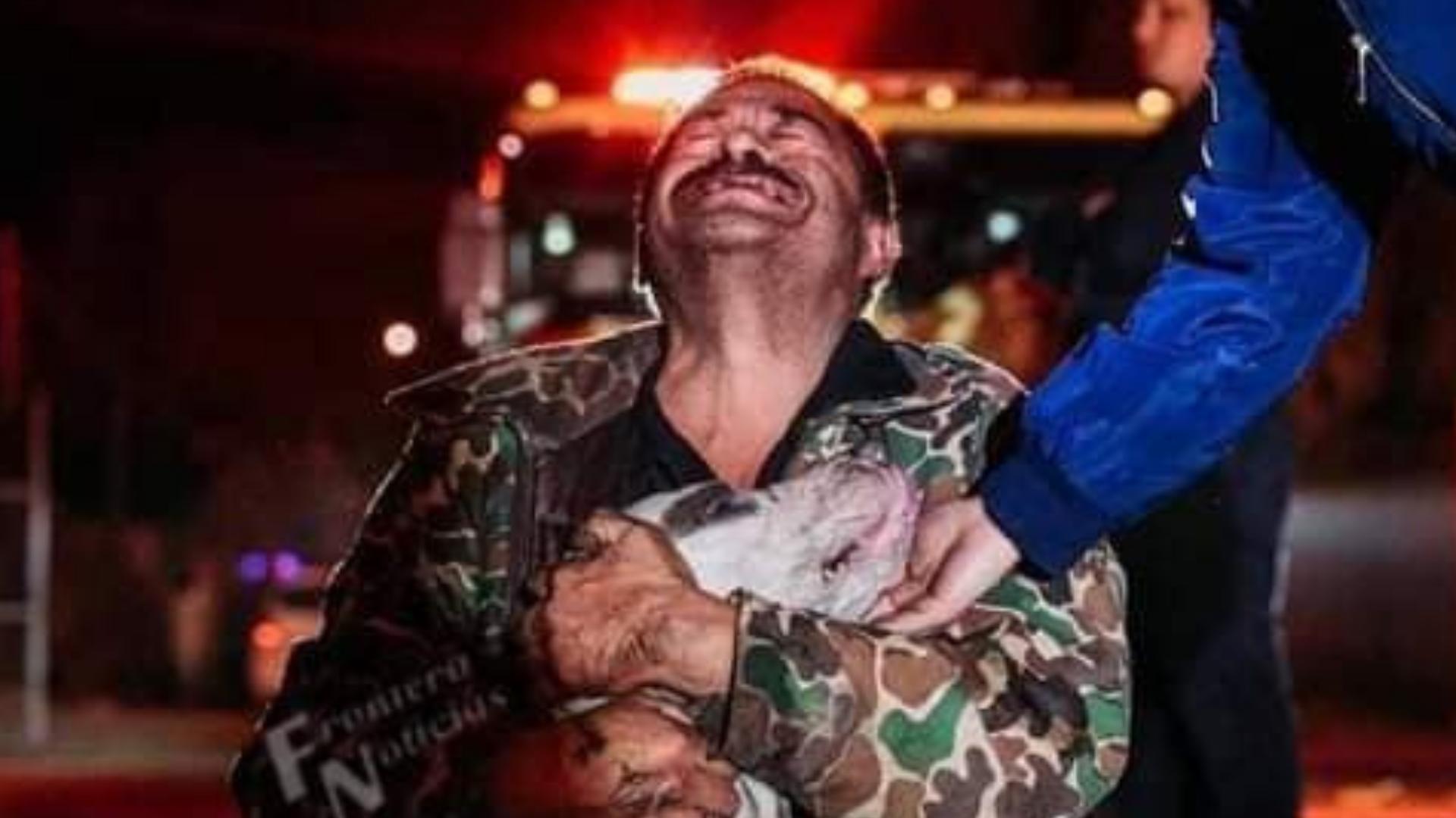 Hombre sordomudo llora de felicidad por salvar a su perrito de un incendio