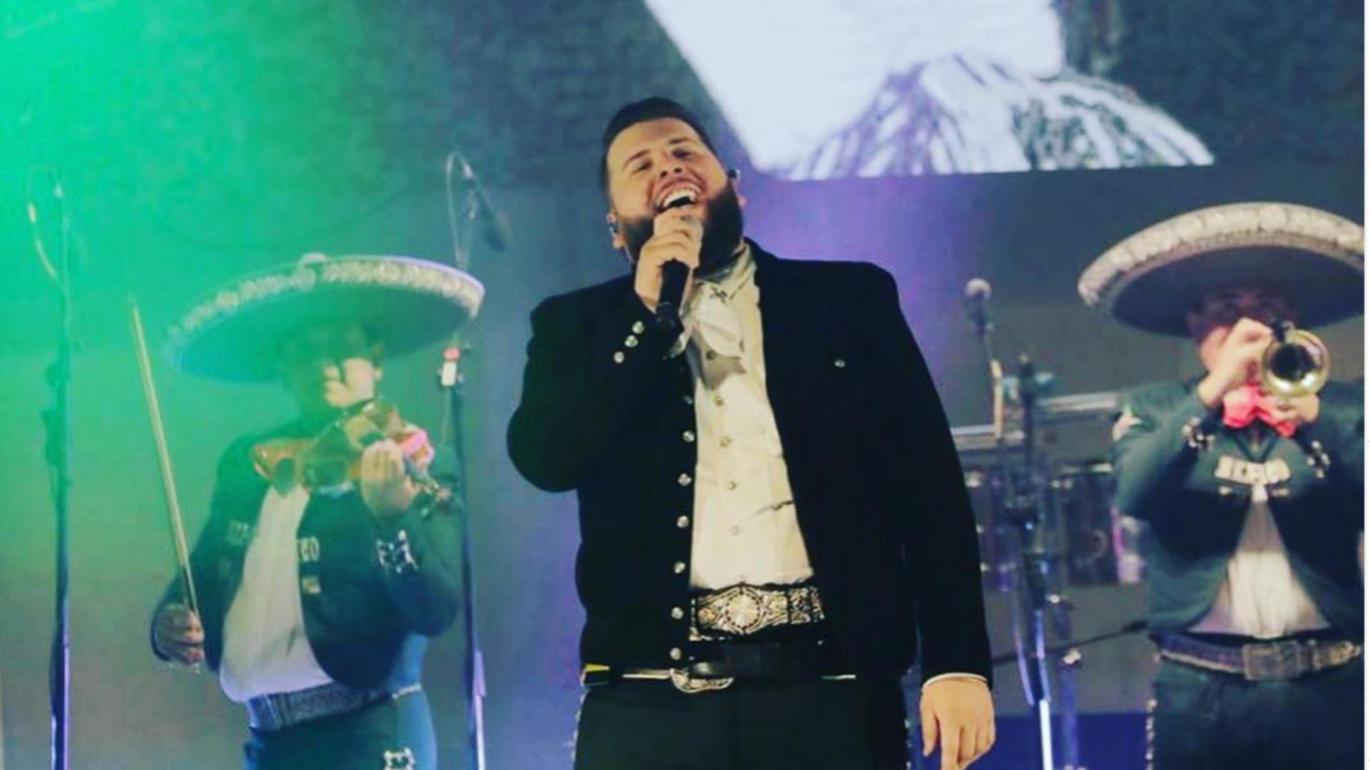 El Fantasma cumple su sueño de cantar en homenaje a Jose Alfredo Jiménez