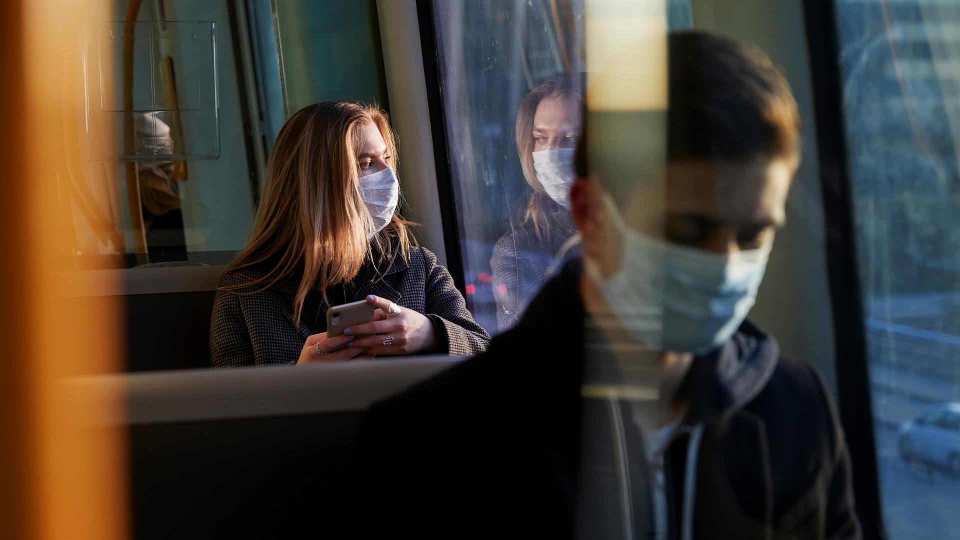 Viene una nueva pandemia, alertan europeos ante variante británica