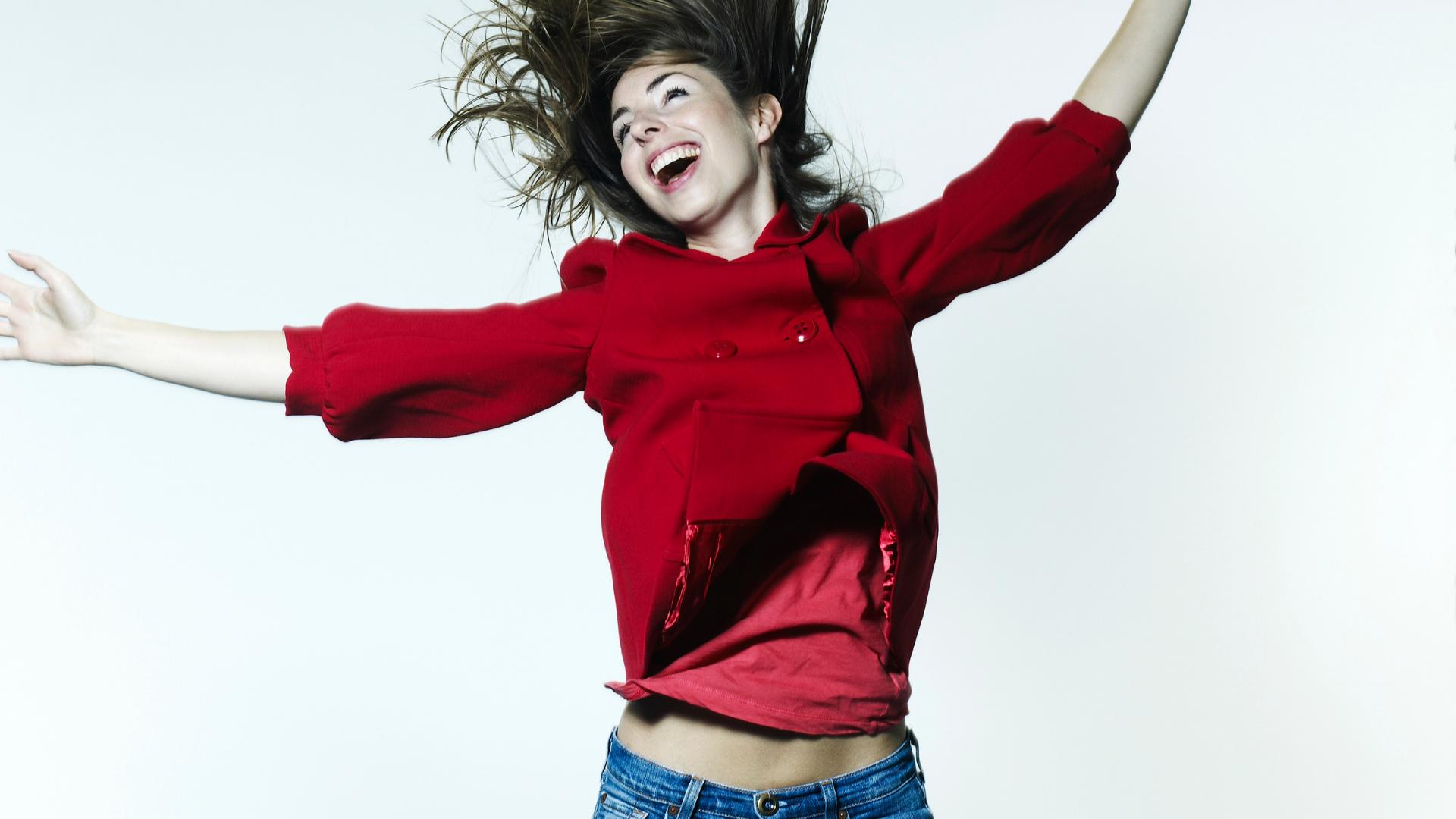 Crean pantalones de mezclilla inteligentes para verte más delgada