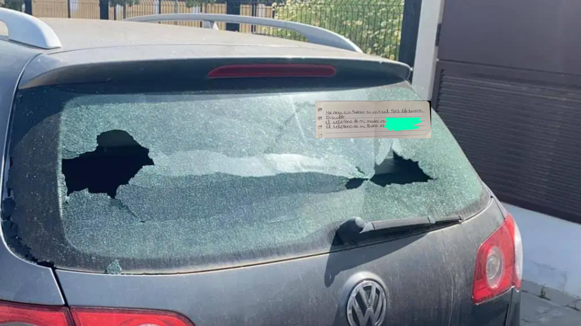 Niño pidió perdón con un post en el carro que le rompió el vidrió