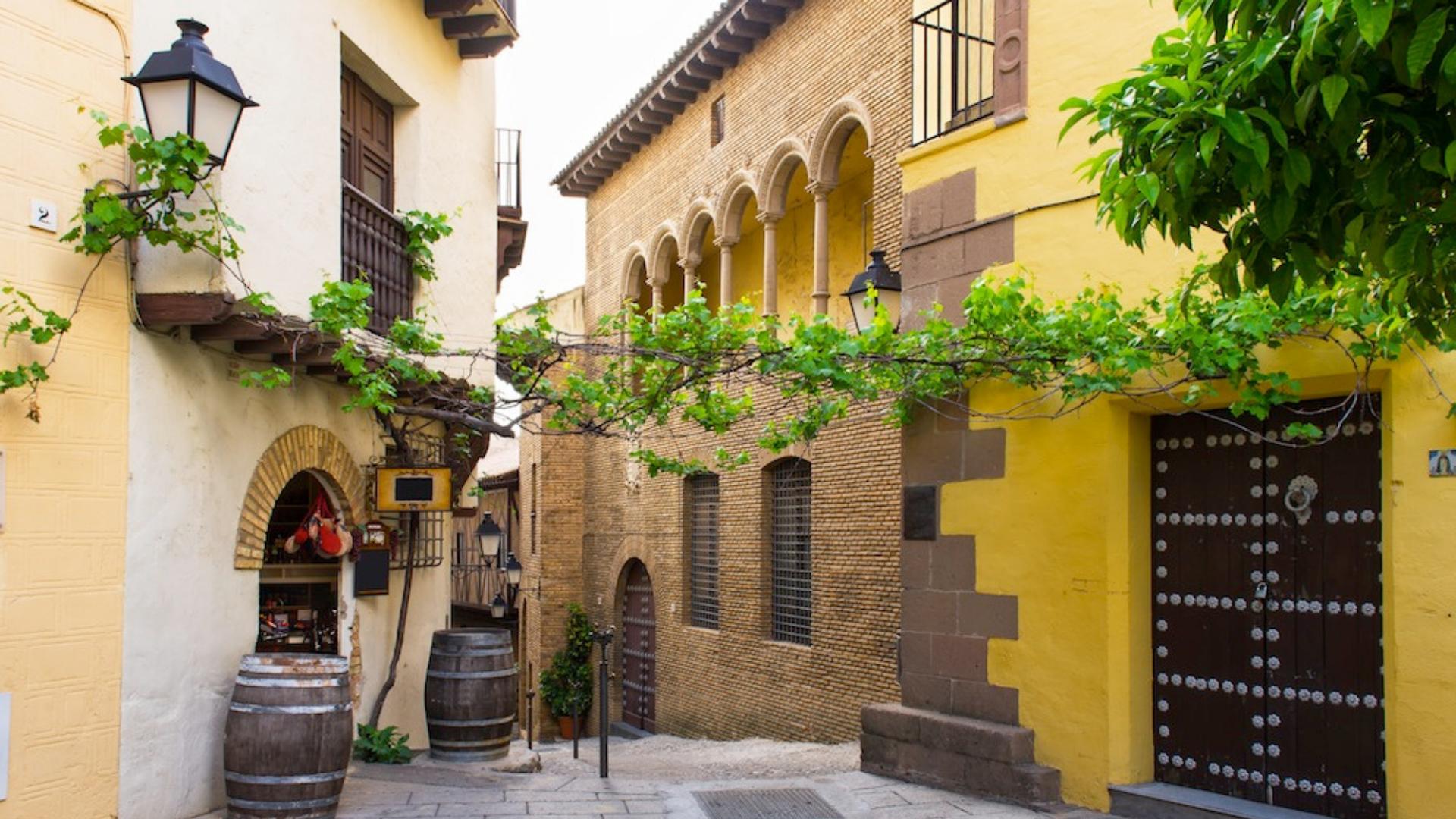Pueblo español ofrecen trabajo y casa gratis para las familias que quieran mudarse